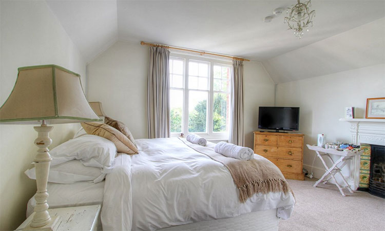 Anchor Inn rooms price check Best Prices and Availability