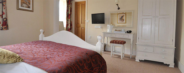 The George & Falcon rooms price check Best Prices and Availability